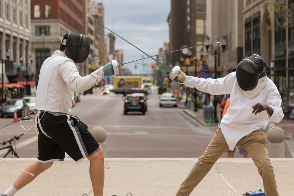 Fencing on the Circle